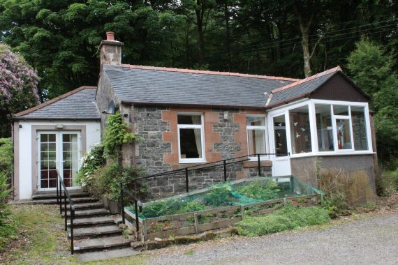 FRONT – BOTHY